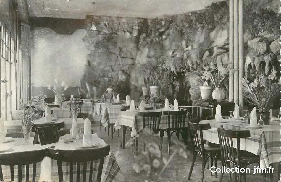 Cpsm france 13 meyrargues son restaurant la cascade for Restaurant la cascade