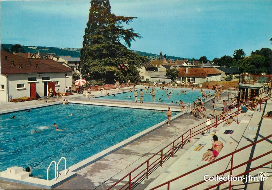 Cpsm france 18 saint amand montrond la piscine 18 for France piscine