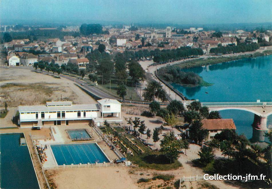 Cpsm france 71 digoin vue a rienne sur la piscine for Piscine l ile bleue seynod horaires
