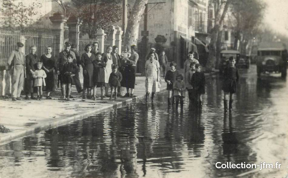 """CARTE PHOTO FRANCE 84 """"Avignon, inondations 1936""""   84 ..."""