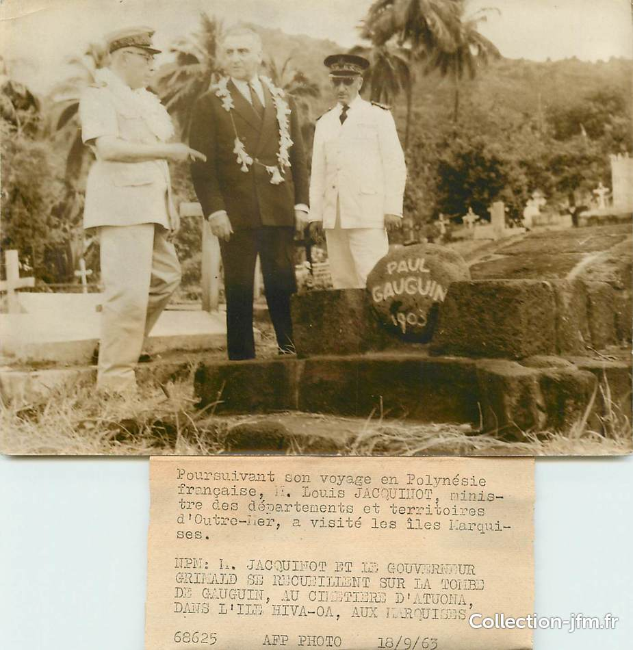 PHOTO ORIGINALE ILES MARQUISES La Tombe De Gauguin Au Cimetiere DAtuona